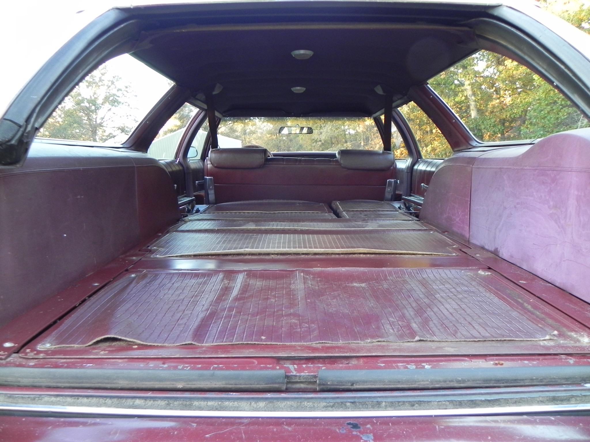 1976 Olds Custom Cruiser Clamshell (1)