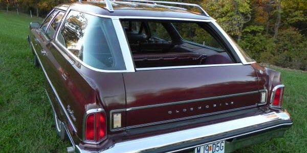 1976 Olds Custom Cruiser Clamshell (2)