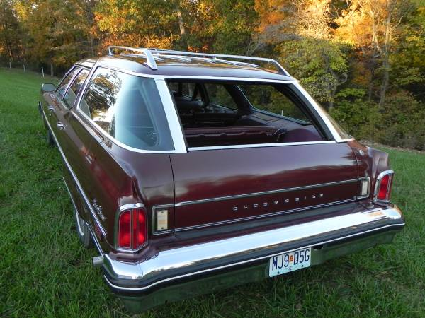 1976 Olds Custom Cruiser Clamshell (2)